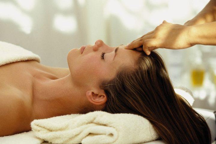 weekend-romantico-umbria-spa-centro-benessere-massaggi-piscina-idromassaggio-2