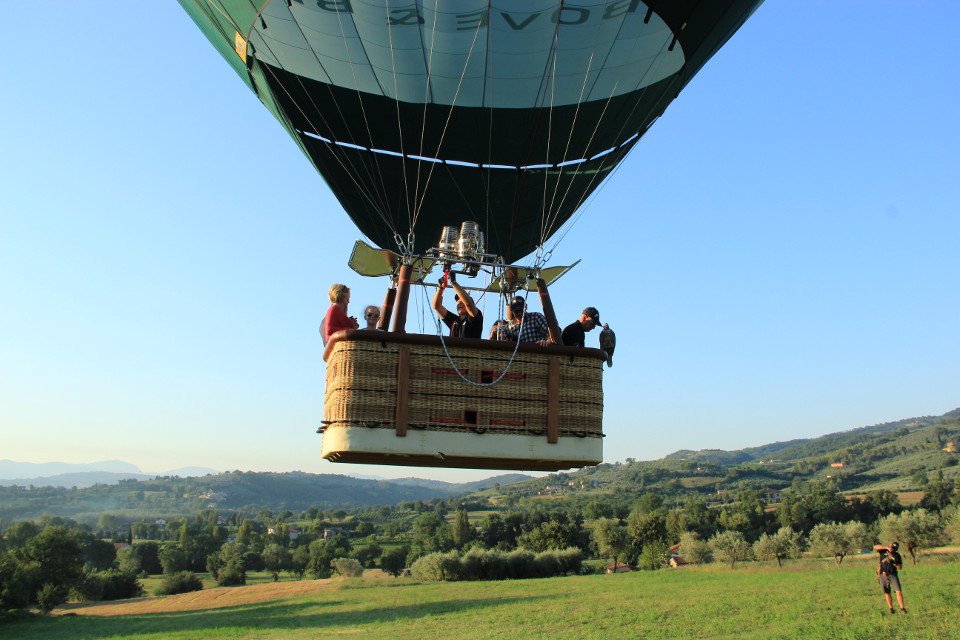 Hot air balloon falconry Umbria Italy