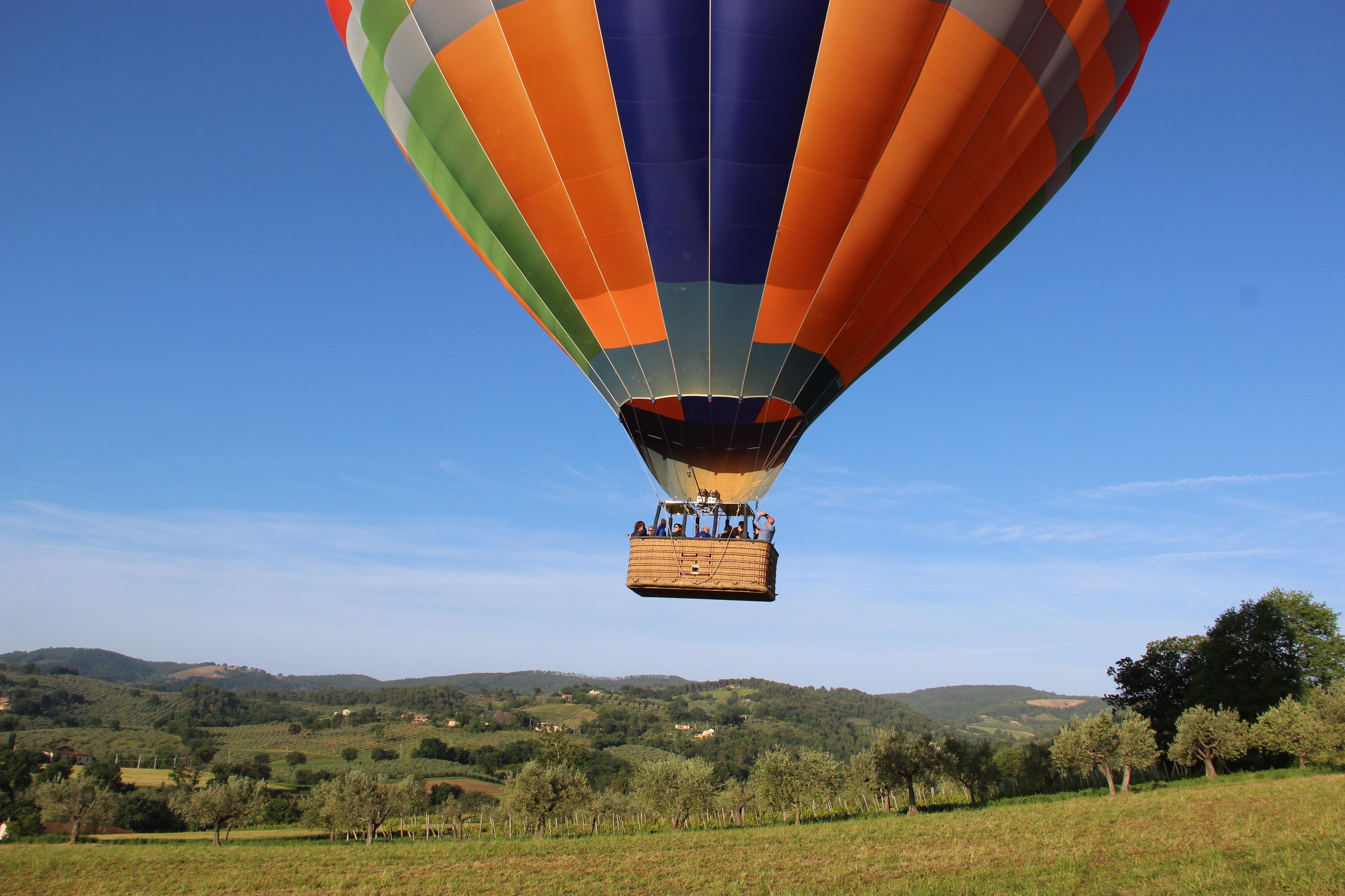 Ballooning- basics- flying- a -hot -air -balloon
